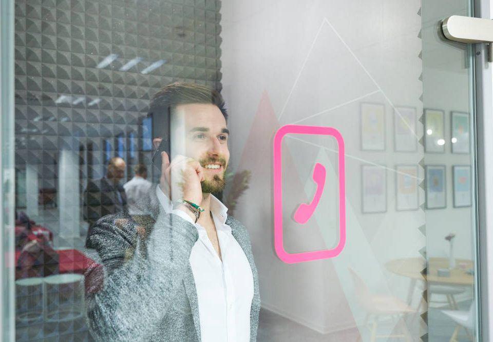 Mit 3 einfachen Tipps die Angst vorm Telefonieren überwinden