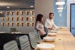 Die Pause mit den Kollegen verbringen im First Choice Business Center