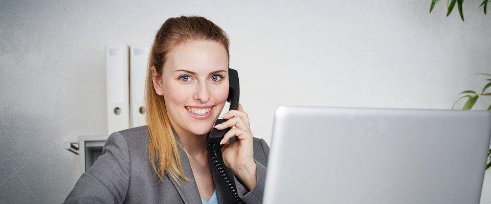 Virtuelle Assistenz: Was ist das und welche Vor- und Nachteile bringt es?